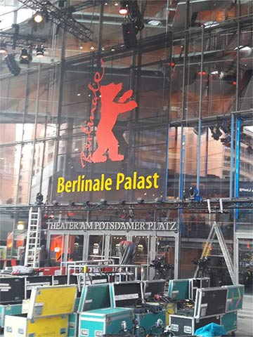 Aufbauarbeiten am Potsdamer Platz einen Tag vor dem offiziellen Beginn der Berlinale